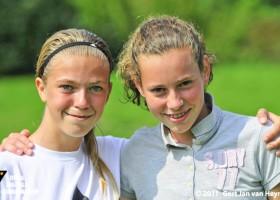 Eva en Lisanne, twee toekomstige RVVH-bikkels