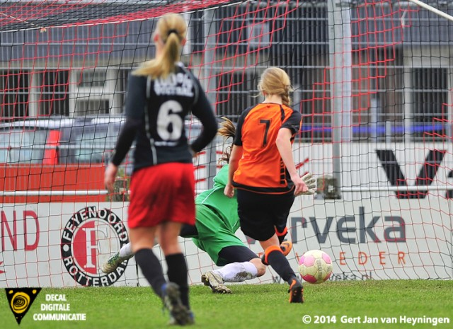 Dorien Zeinstra die Oranje Nassau op 0-2 gaat zetten tegen SteDoCo.