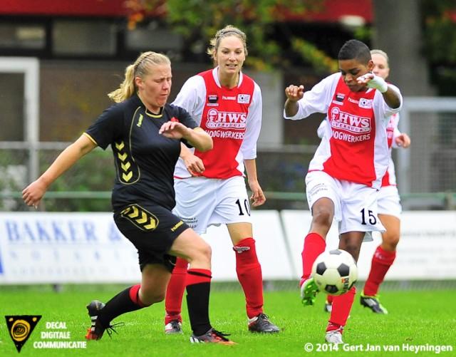 Esmeralda de Vlugt van RCL is Linda Bos van Warburgia te vlug af.