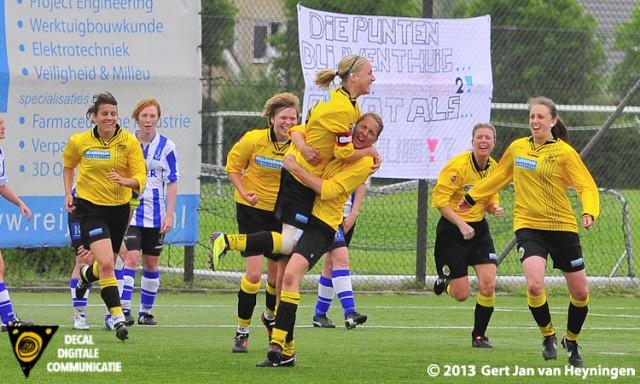 Ver in de extra tijd scoorde Manon Langedijk van Reiger Boys met het hoofd de 2-1 tegen IJzendijke.