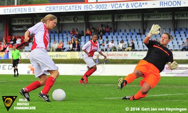 De allesbeslissende treffer voor RCL komt op naam van Marijke van den Berg.