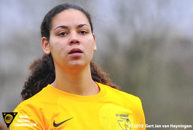 Sluitpost Roxanne Monkou van Barendrecht stopte een strafschop.