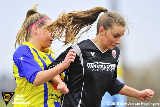 Chantal van Wijk van Berkel in duel met Lisa Stigter van Jodan Boys.