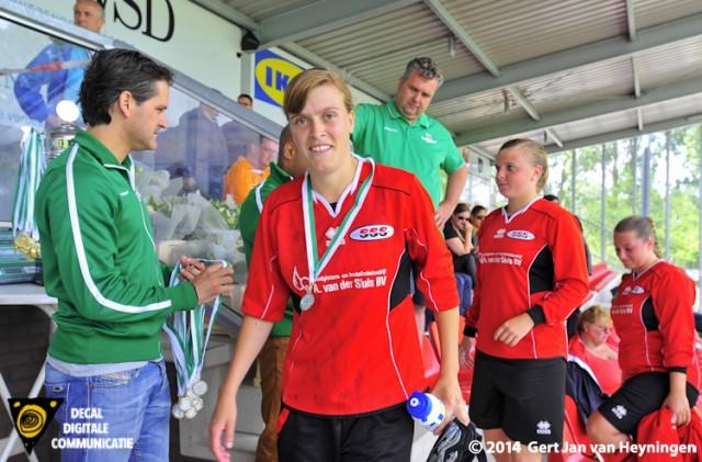 RVVH wint vrouwenfinale Voetbal Rijnmond Cup tegen SSS.