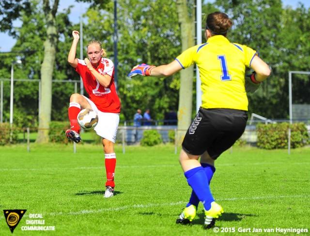 vv Rhoon - Weteringse Voetbal Combinatie