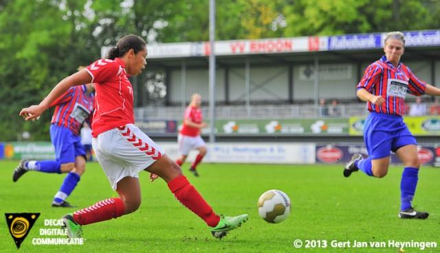 Rowena Ondaan van Rhoon scoorde in de eerste helft twee maal.