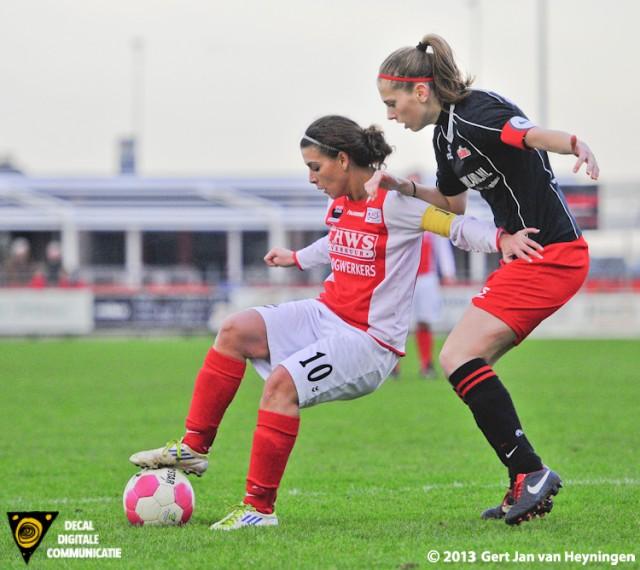 Leuke duels tussen Samira Benchamach van RCL en Roos Havermans van SteDoCo.