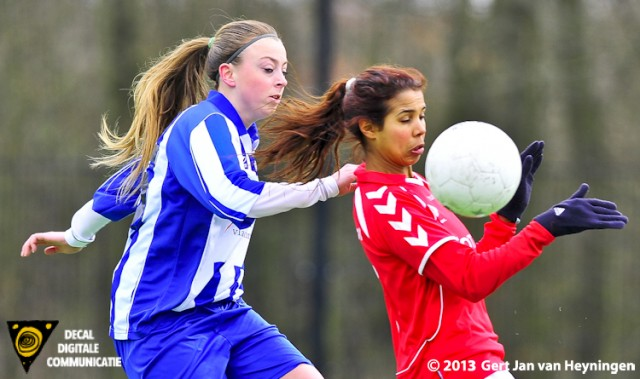 Leuke duels tussen Milou Hoefsloot van SVS en Tamara Colle van Rhoon.
