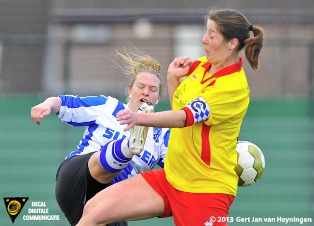 Prachtige duels tussen Maud Kuijpers van IJzendijke en Mandy van Capel van Zevenhoven.