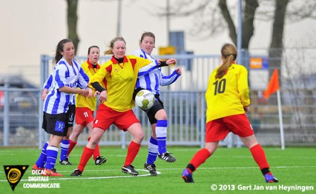 Pressievoetbal van Zevenhoven maar het lukte de voorwaartsen niet om te scoren tegen het Zeeuwse IJzendijke.