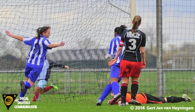 Dubbel O ofwel Manuela Grootenboer scoorde de 0-2 voor RVVH tegen SteDoCo.