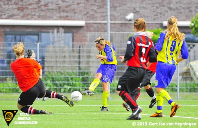 Lindy Hogedoorn scoorde voor Berkel de 2-0 in het oefenduel tegen ARC