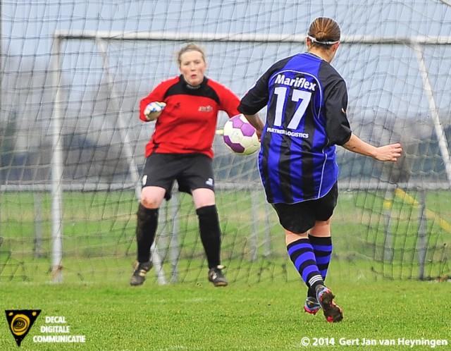 Lesley Heuser van Smerdiek met de 4-8 op haar pantoffel.