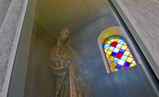 Mystiek beeld van Maitre de Waha in de St Etienne kerk van Waha